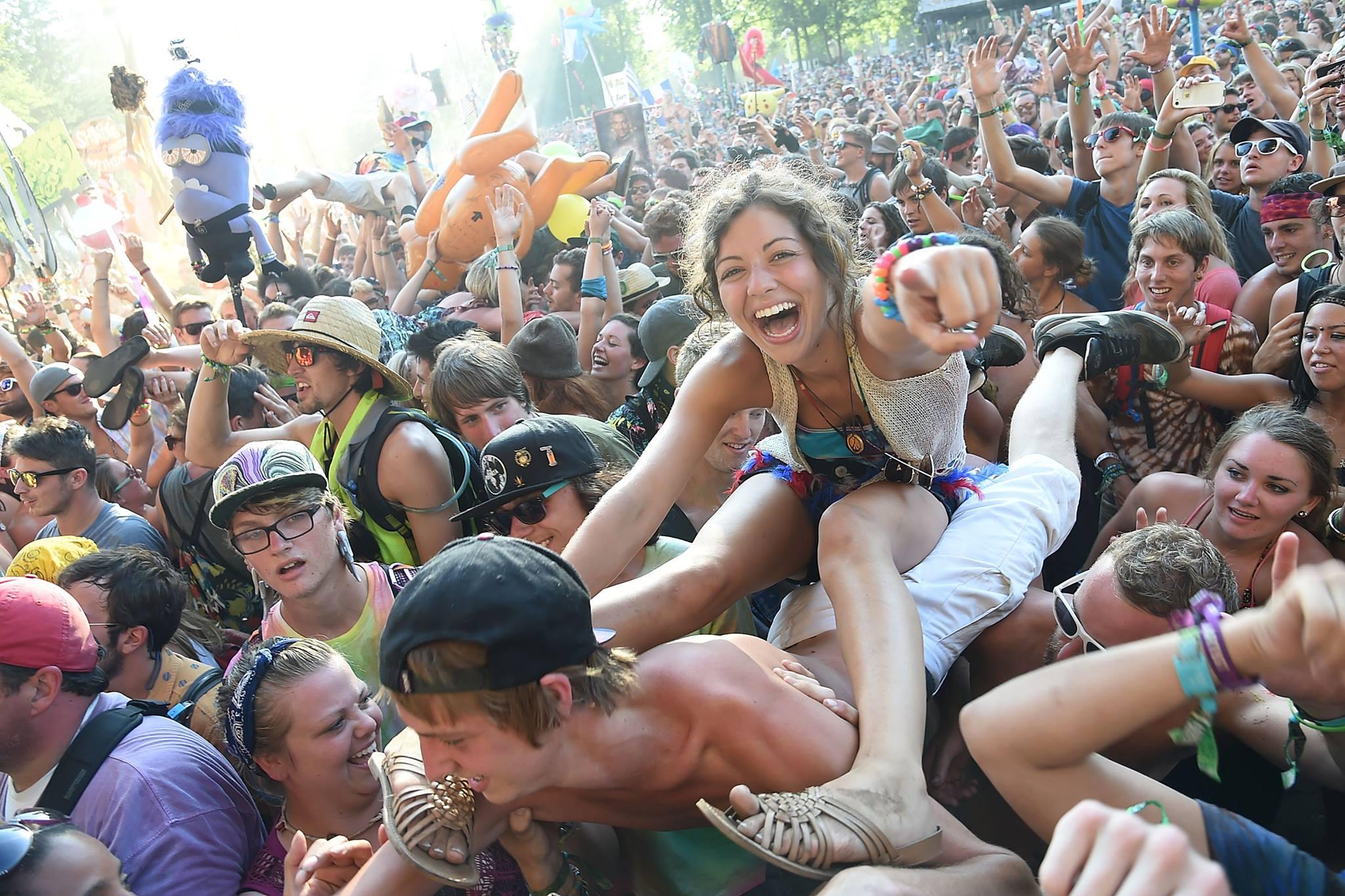 Füldugót feltétlenül pakolj be, ha élvezni szeretnéd a nyári koncerteket!