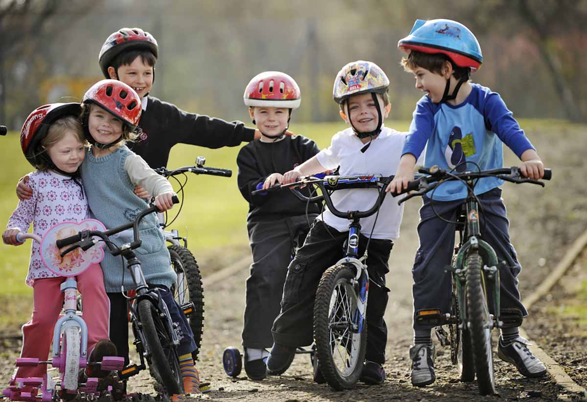 FÜLDUGÓ: a mai generáció kerékpáros sisakja