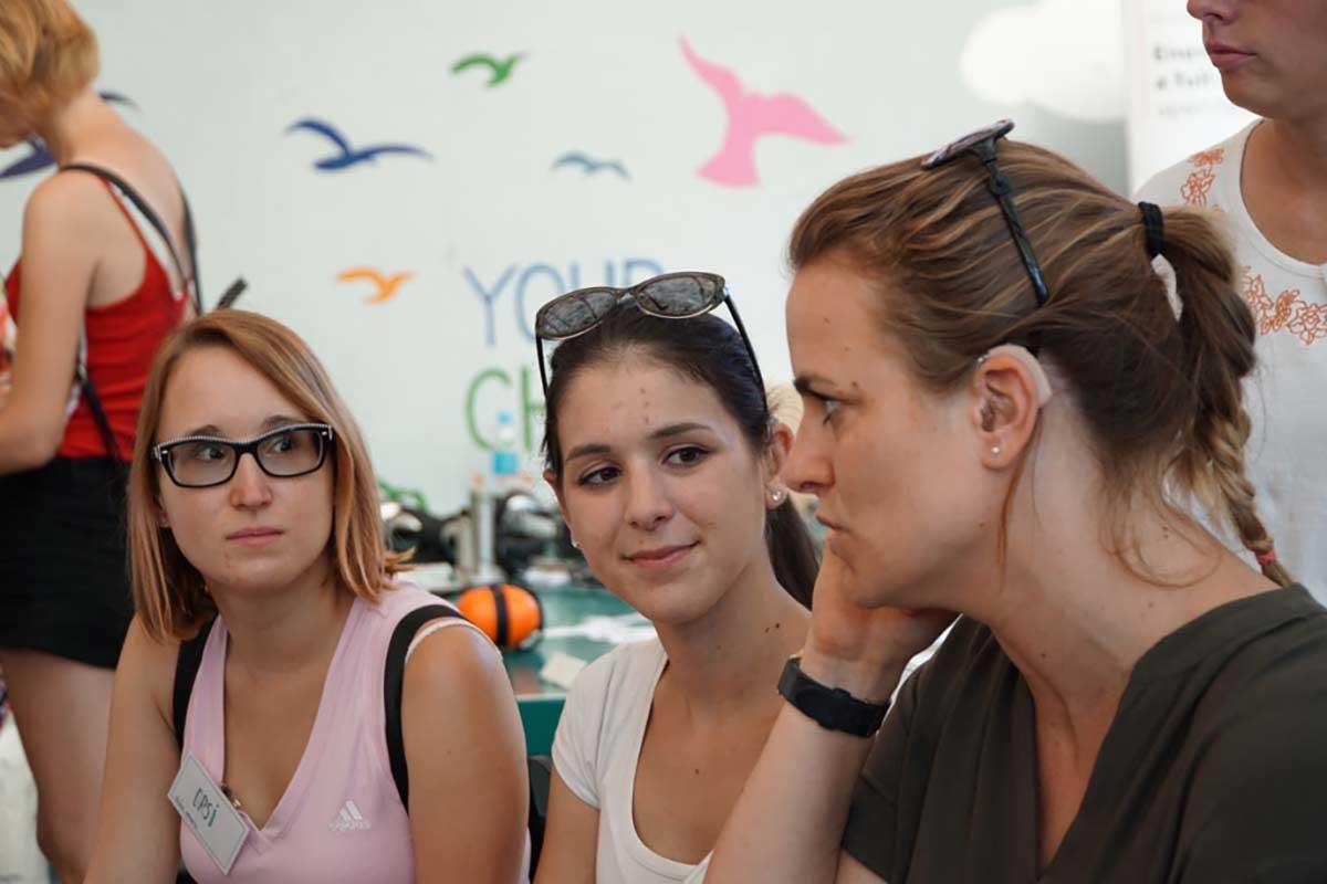 4 dolog, amit jó lett volna tudni hallássérült gyerekként