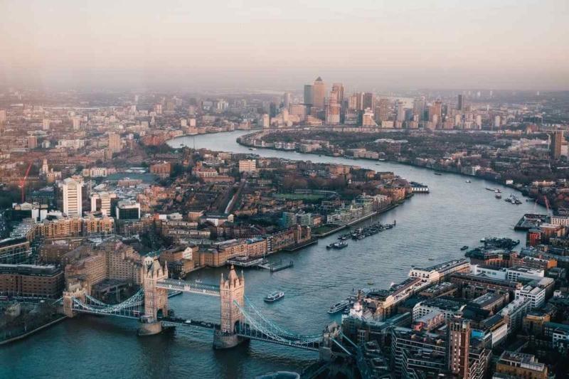 Londonban majdnem a vécében végeztem – egy hallókészülék vallomása