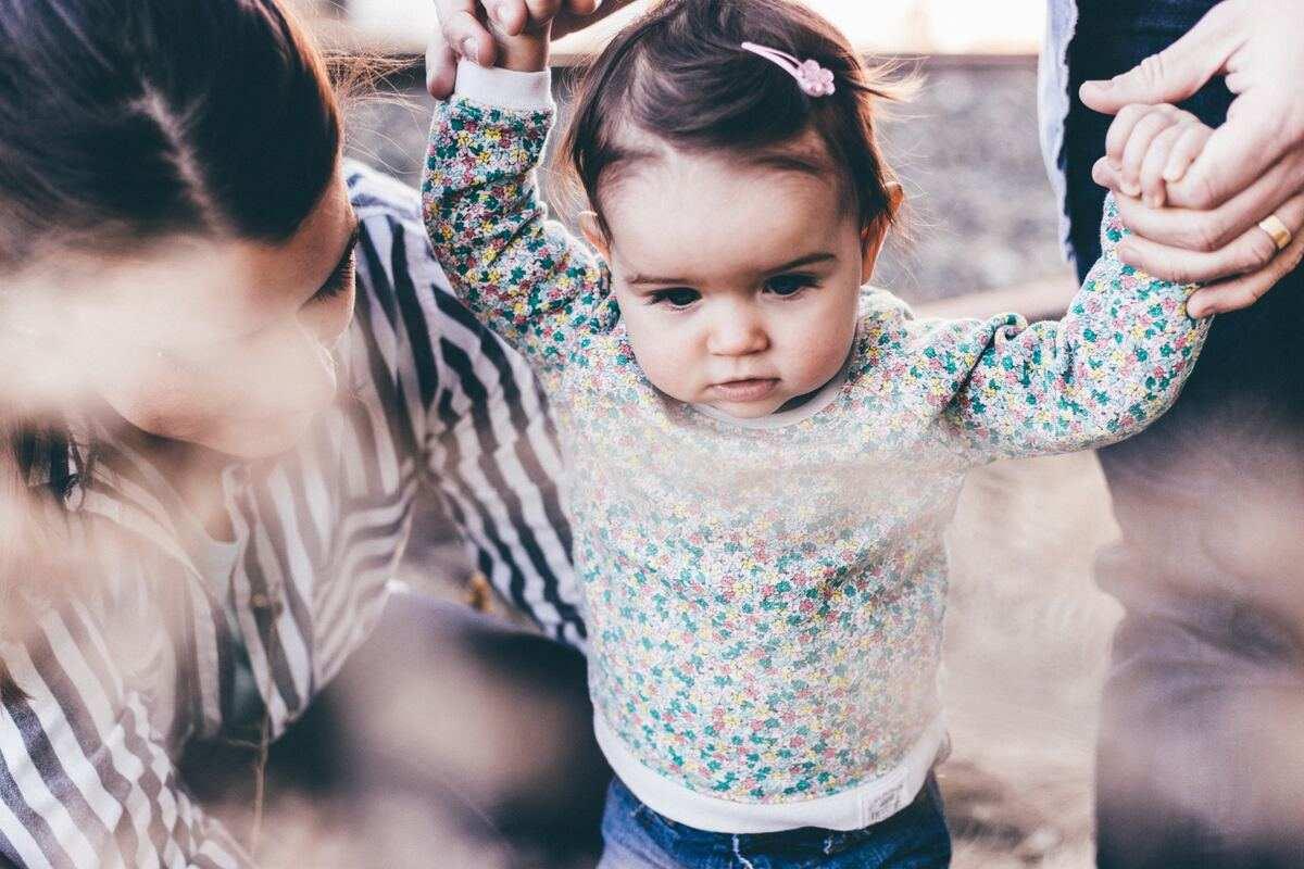 Jó úton haladunk? Meg fog tanulni beszélni? - egy hallássérült gyermek anyukájának dilemmmái