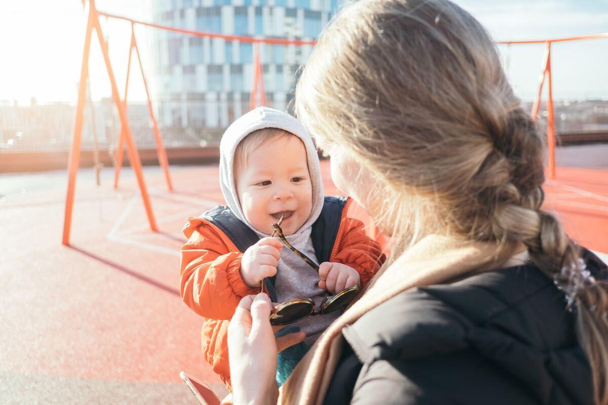 Így lesz könnyebb gyermekednek a hallókészülék megszokása!