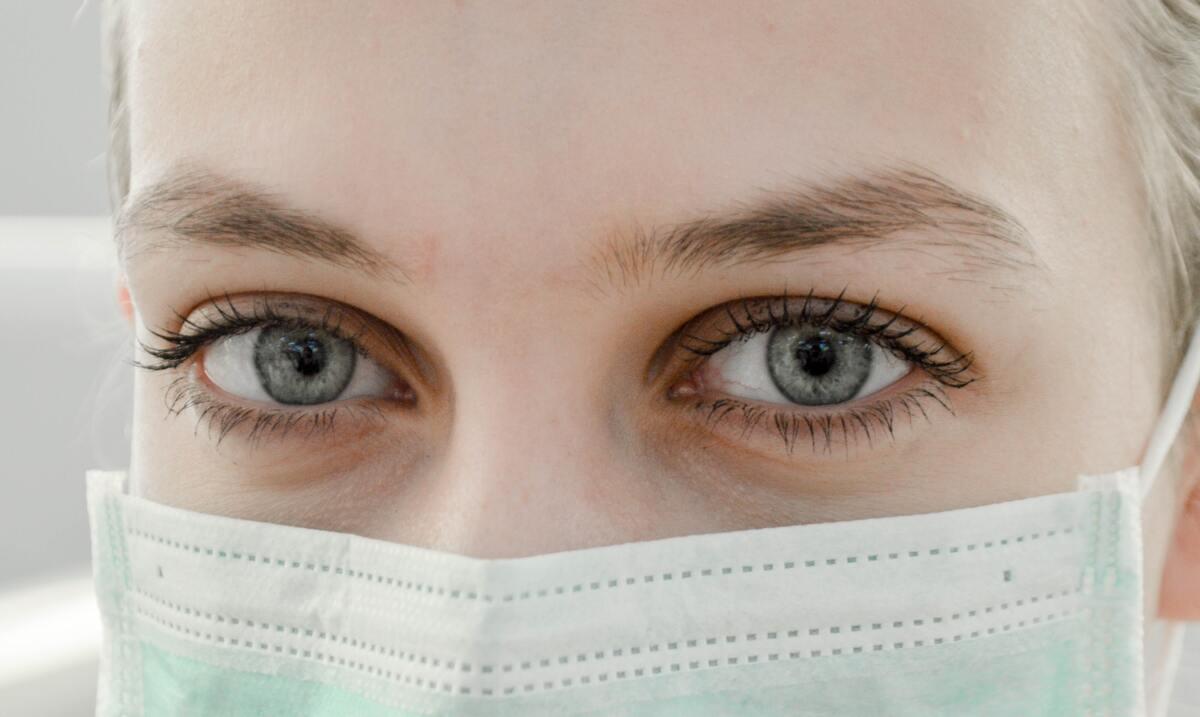 Elszigetelődést hozott a maszk a hallássérülteknek? - koronanapló 1. rész