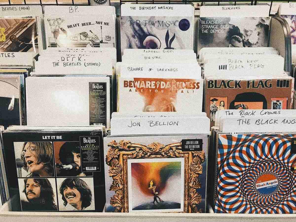Hallgass zenét okosan! - hallásvédő tippek, ami nem csak a füldugó