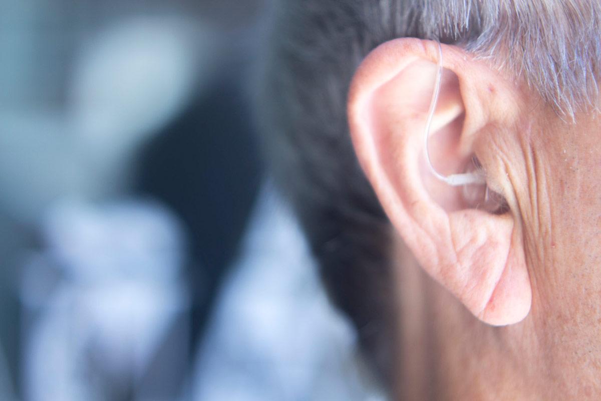 5 hallókészülék tévhit, ami visszatarthat a hallókészülék hordástól