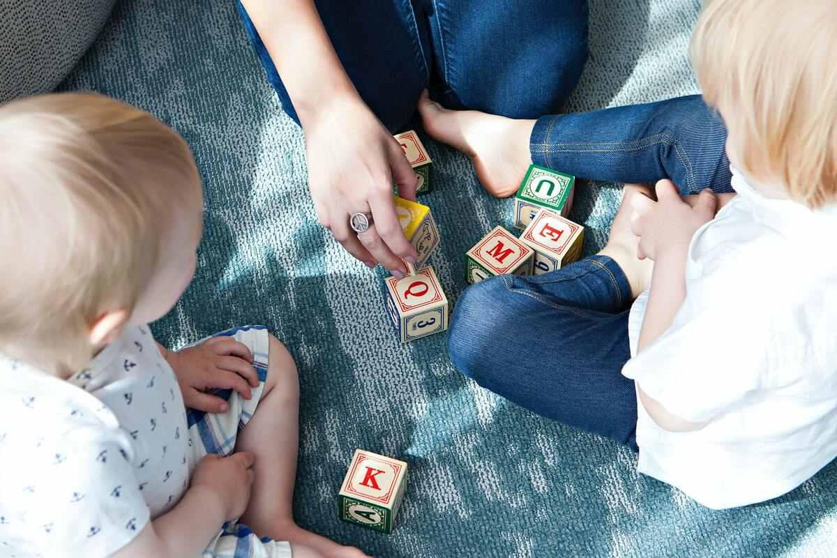 Hallásfejlesztő játékok, amikkel megismertetheted a gyerekedet a hangokkal